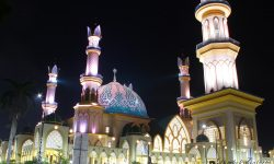 mengapa lombok disebut sebagai pulau seribu masjid
